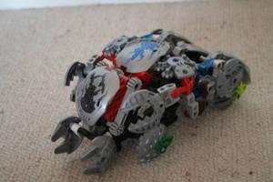 Bionicle MOC: Bohrok Tank by Rahiden