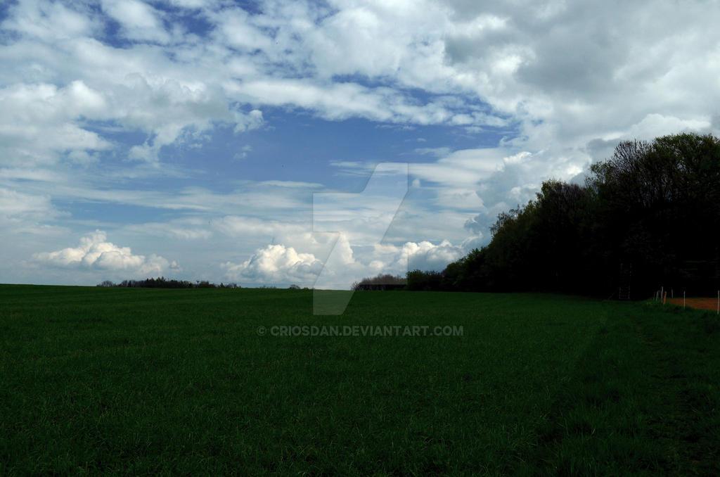 cloudy by Criosdan