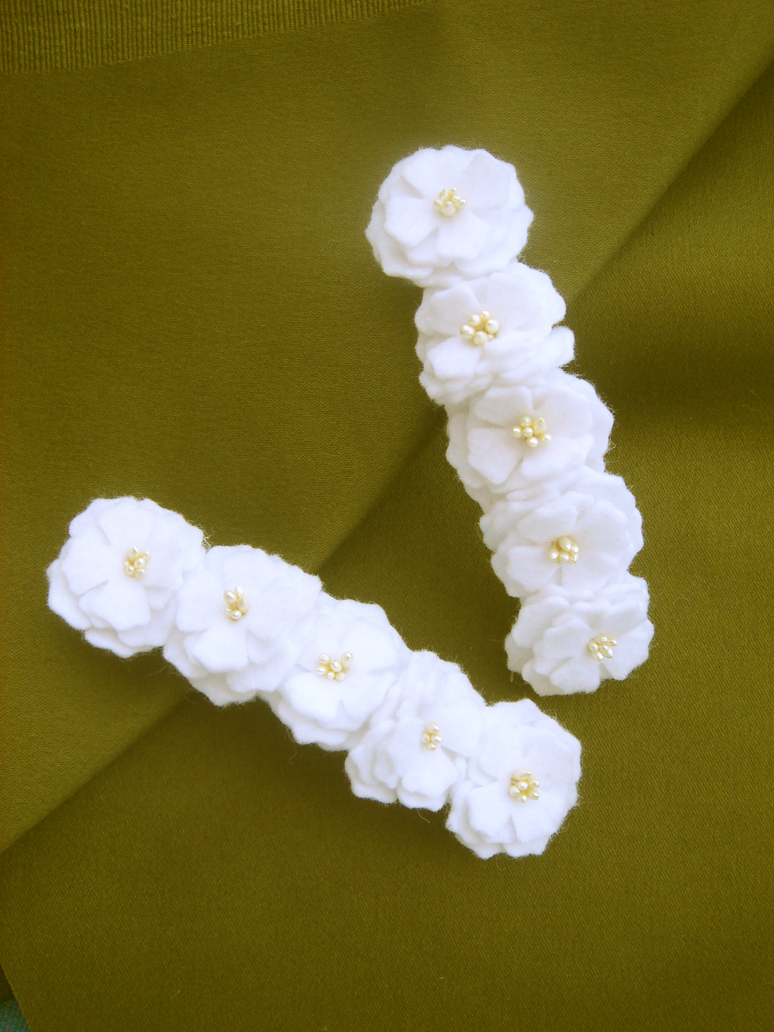 White Flower Hair Clips By Fashionatelier On Deviantart