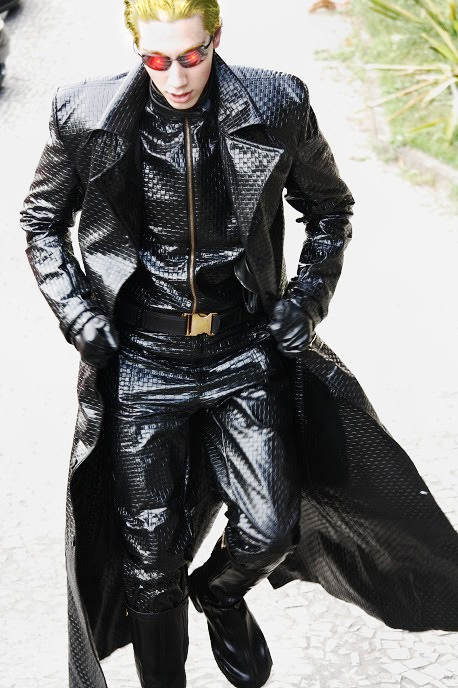 cosplay Albert Wesker version midnight Albert_wesker_cosplay___looking_from_above__2_by_ikevinxser-d4y8tl7