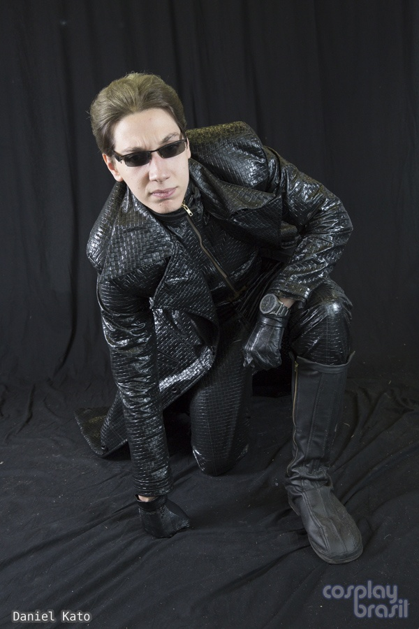 Albert Wesker Cosplay ft That 'Pose' by IKevinXSer