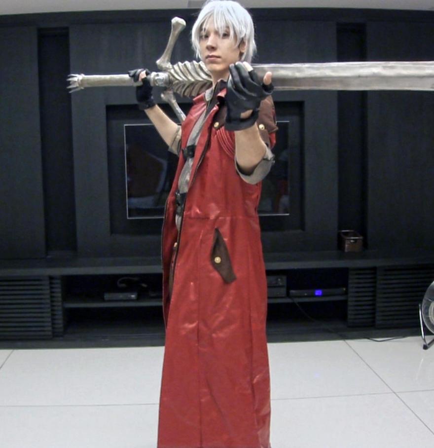 Dante Cosplay :: I'm waiting by IKevinXSer