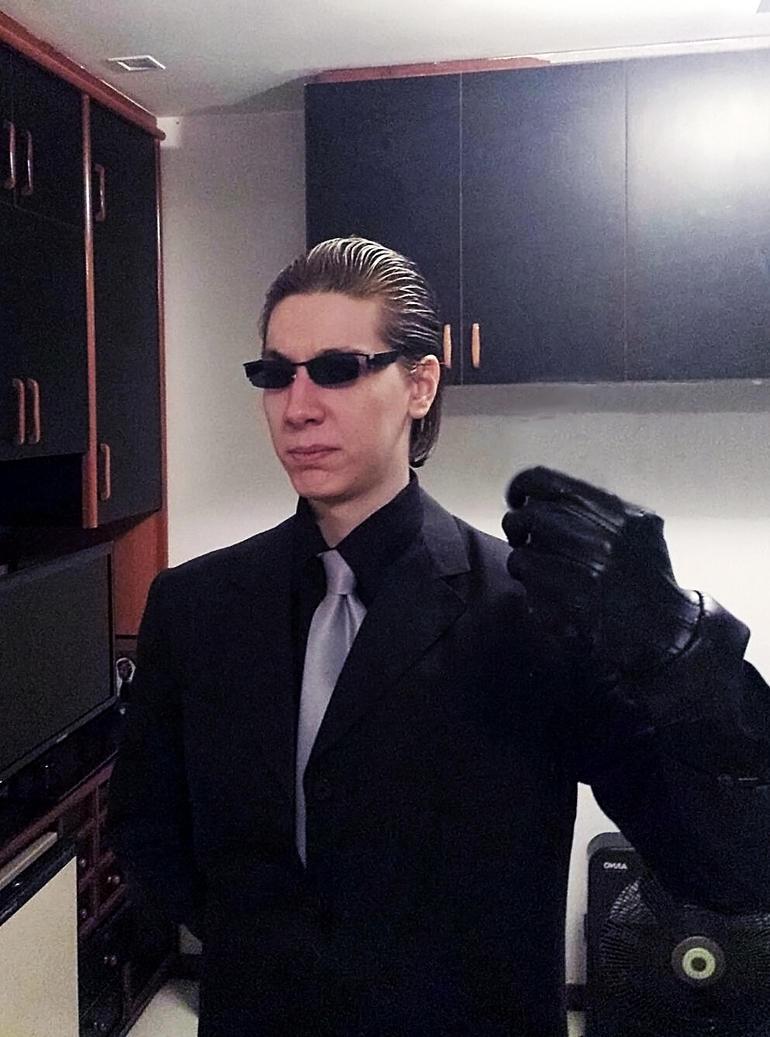 Albert Wesker Cosplay :: Suit Version by IKevinXSer