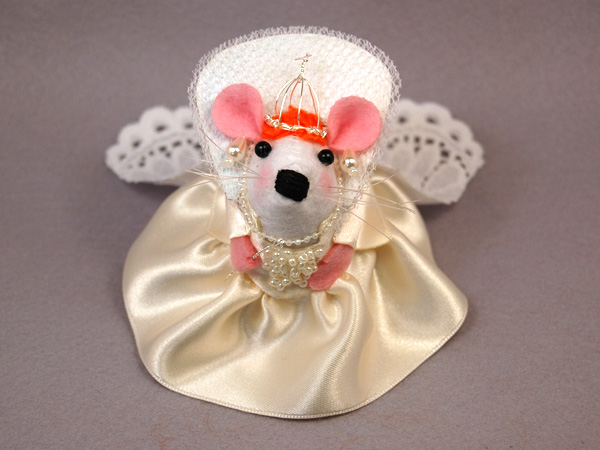 Queen Elizabeth I Mouse by The-House-of-Mouse