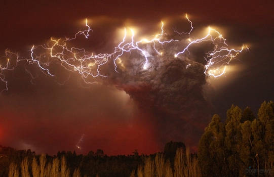 Volcanic Eruption of Ash Wallpaper - Real photo