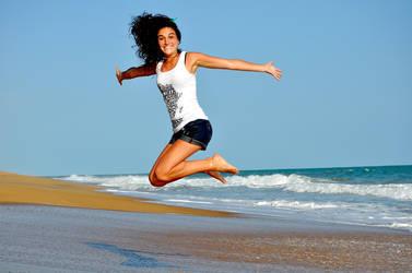 Anouk-govil-beach-jump by anoukgovil
