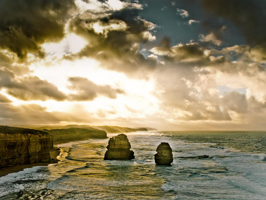 Twelve Apostles II by thomasdelonge