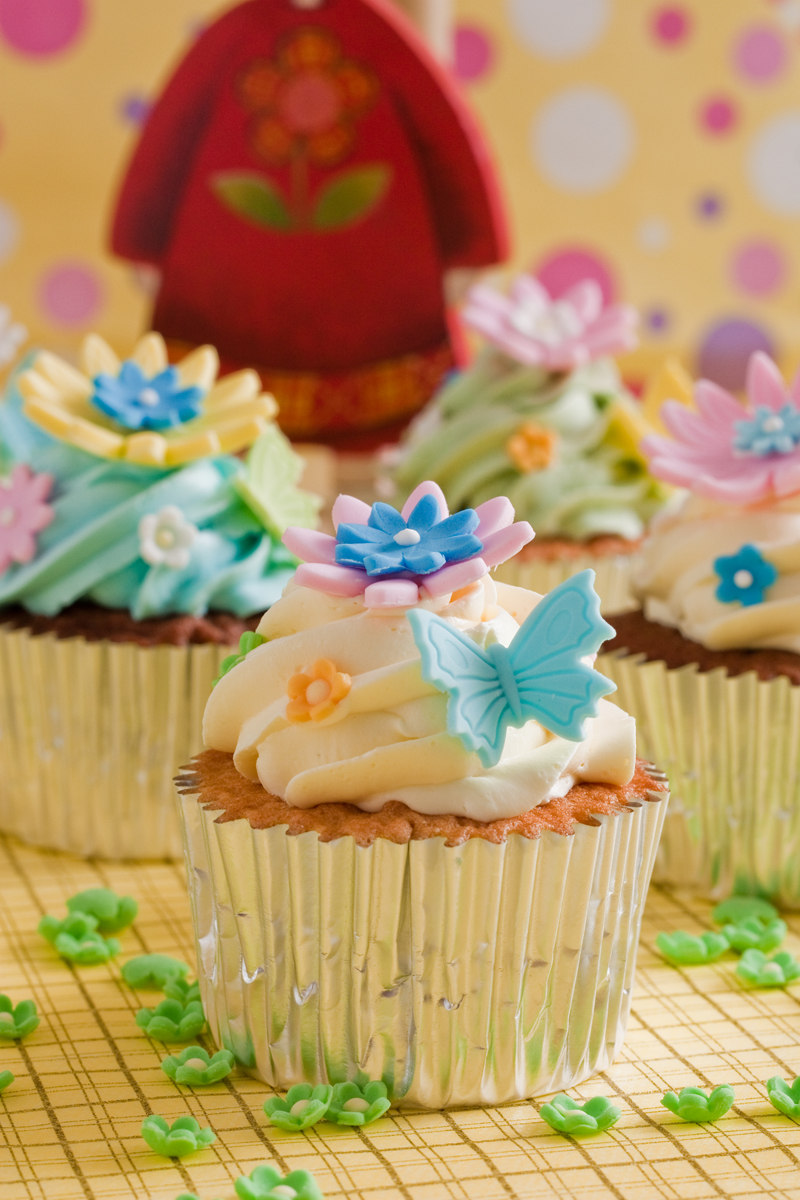 Beautiful Cupcake Images : Beautiful cupcakes by greende on DeviantArt