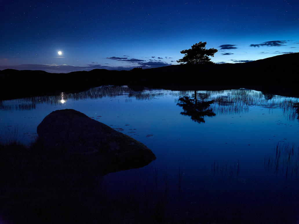 Kelly Hall Tarn - Moonset by noelholland