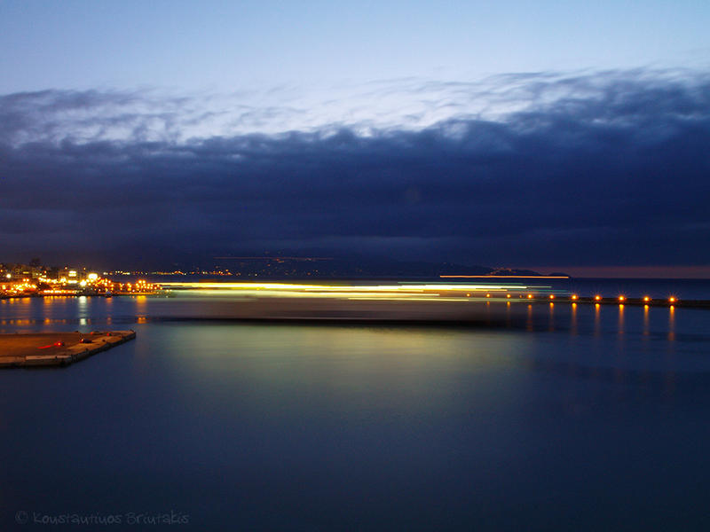 Port of Iraklio by Mprintochainis