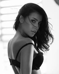 Julia by @zieniuphoto