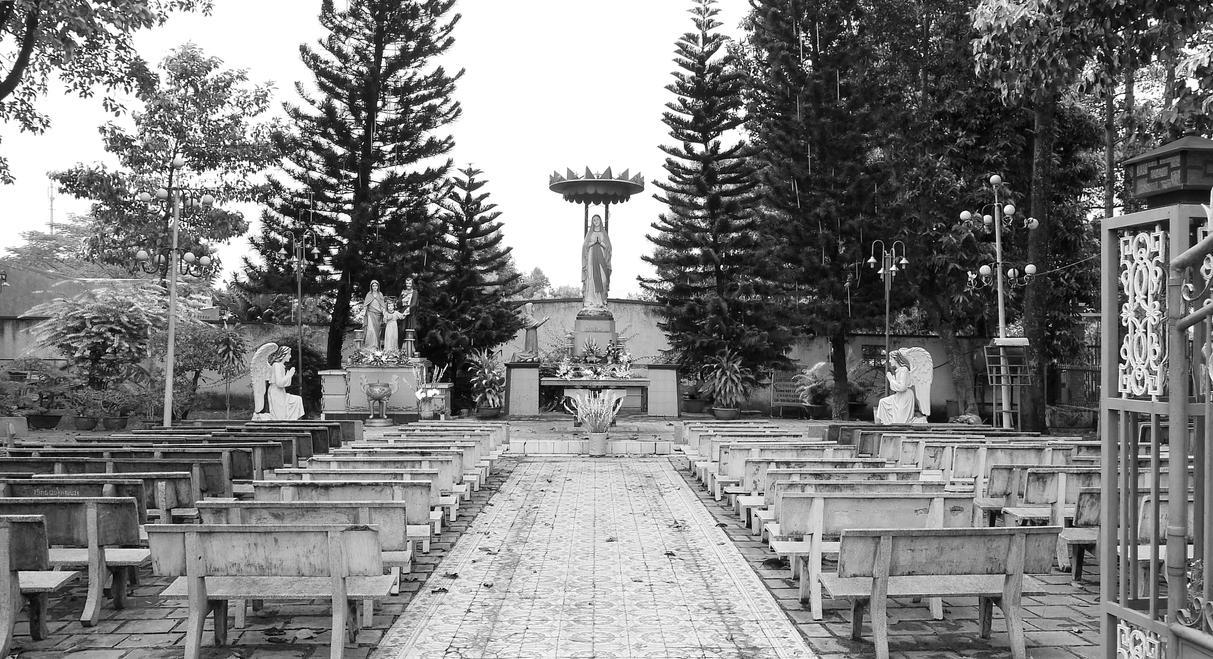 Catholic Cemetery, Trang Bom, Vietnam by PamplemousseCeil