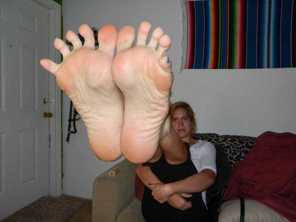 Cum on wrinkled latina chick soles compilation 10