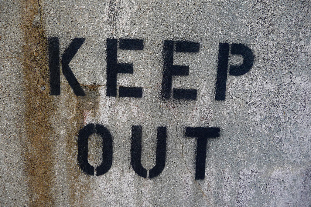 KEEP OUT 1 by Niedec-STOCK