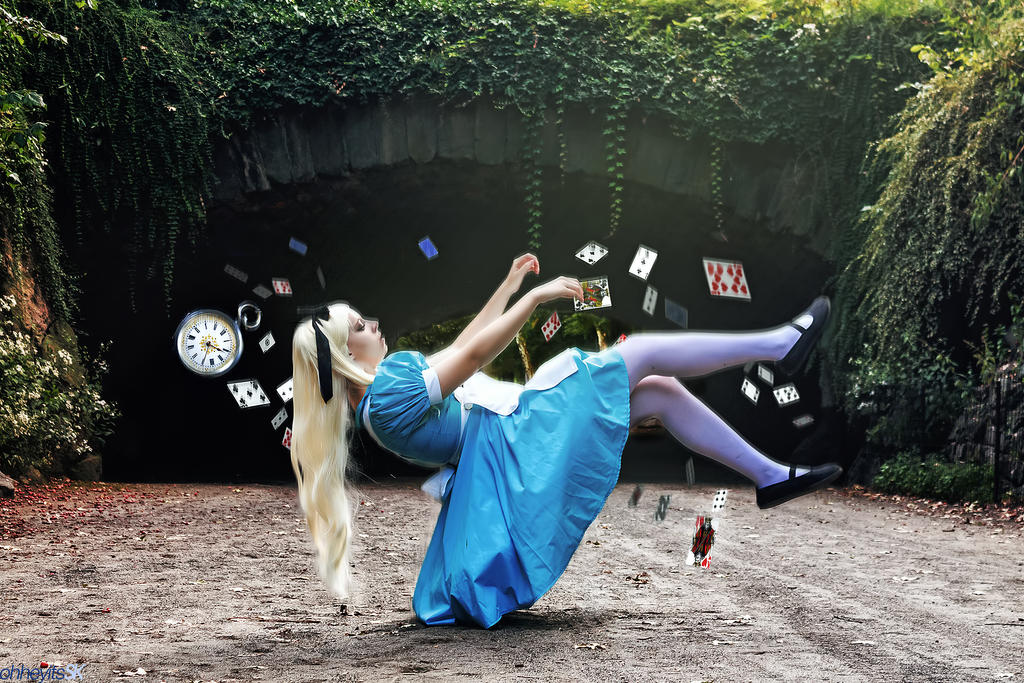 Alice - Falling down the rabbit hole by CrystalPanda