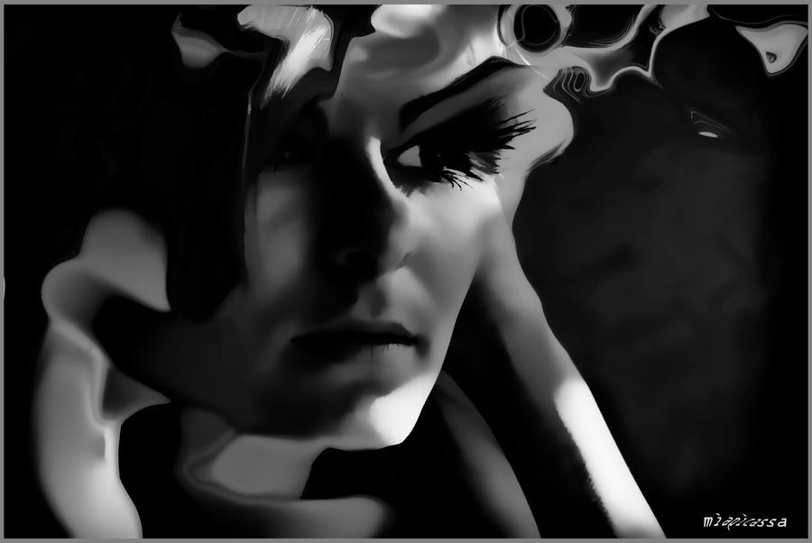 Glance................. by miapicassa
