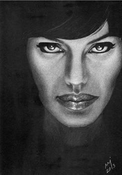 Angelina Jolie - Salt (scan)