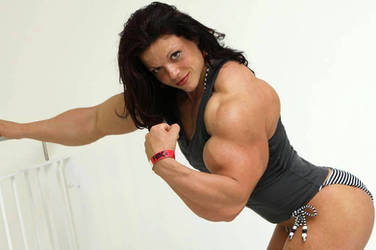 Oana Huge Biceps by Turbo99