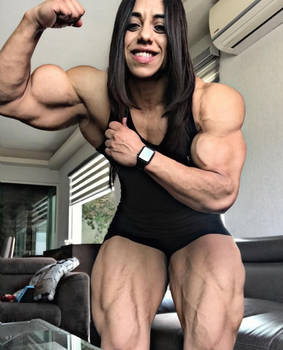 Jazmin Muscled