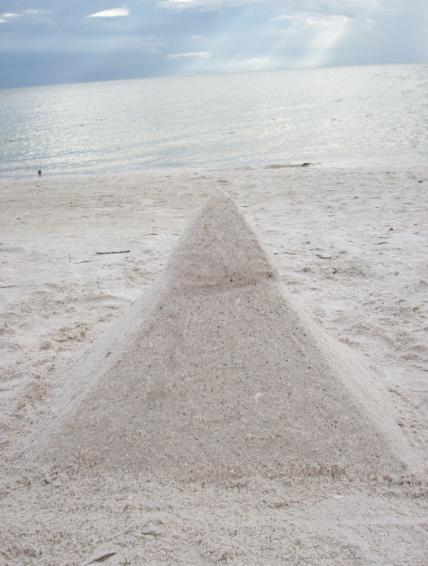 Pyramid by Eldessia
