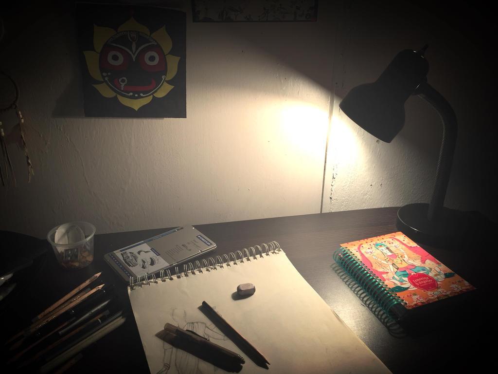 Working by tothemo0nandback