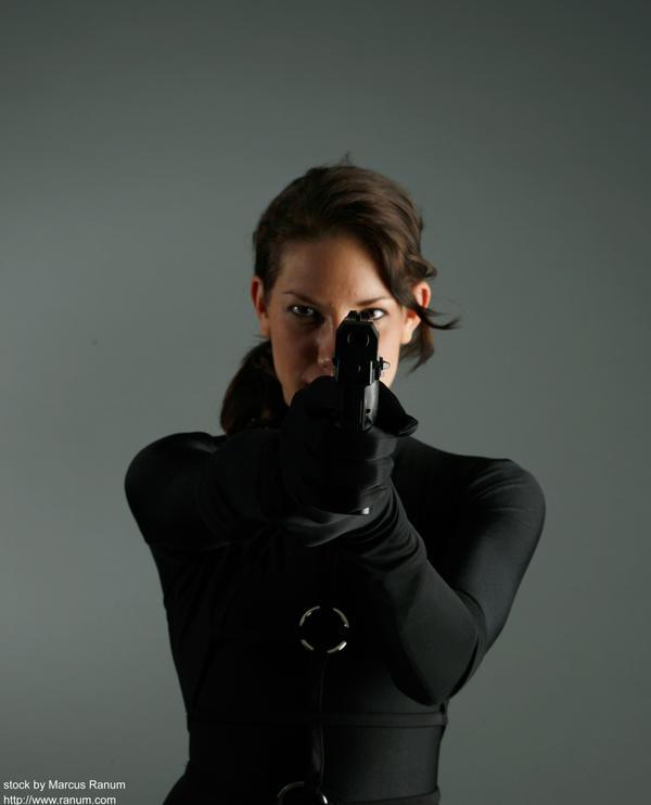 wanita menembak