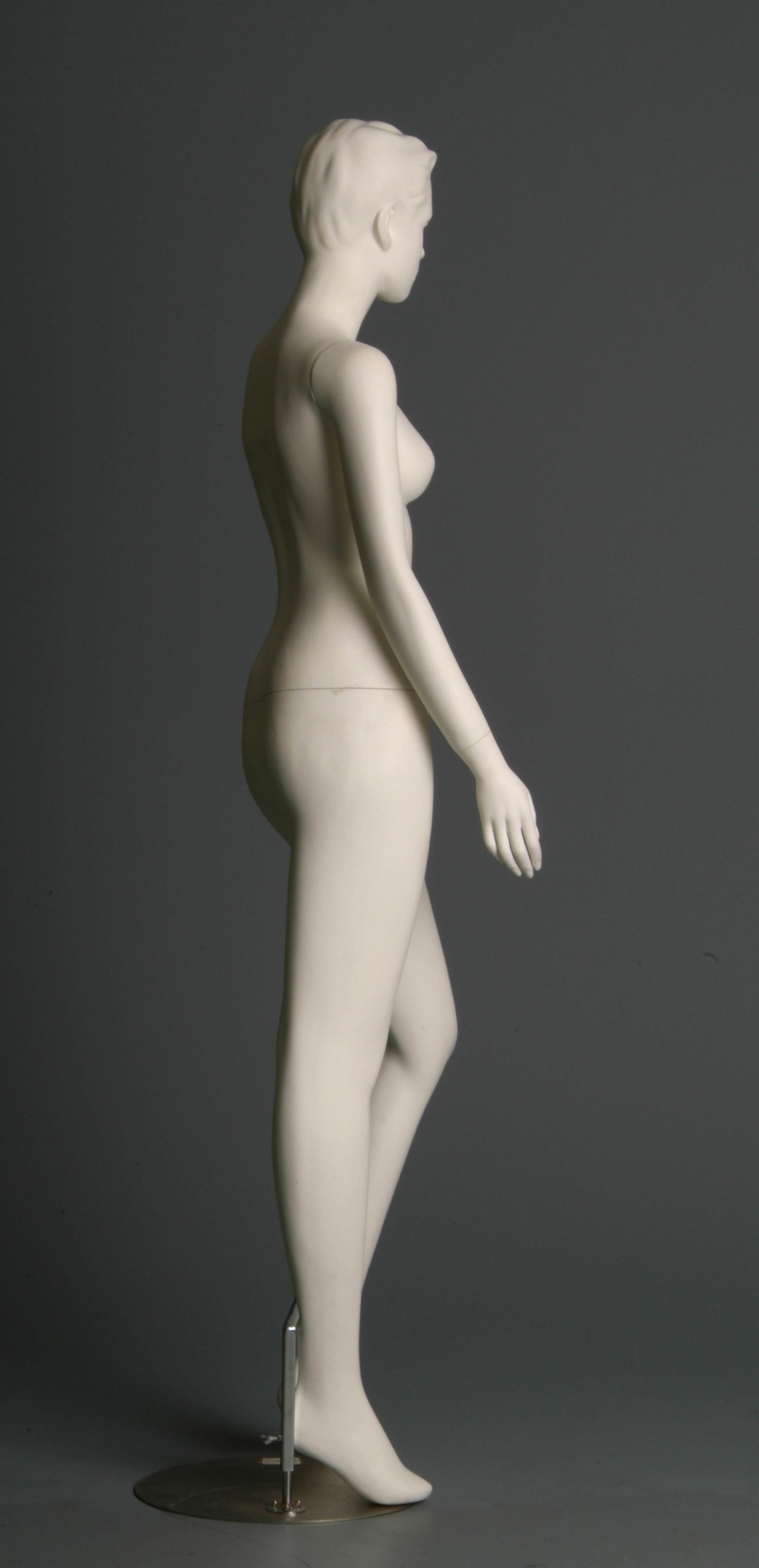 Mannequin - 3