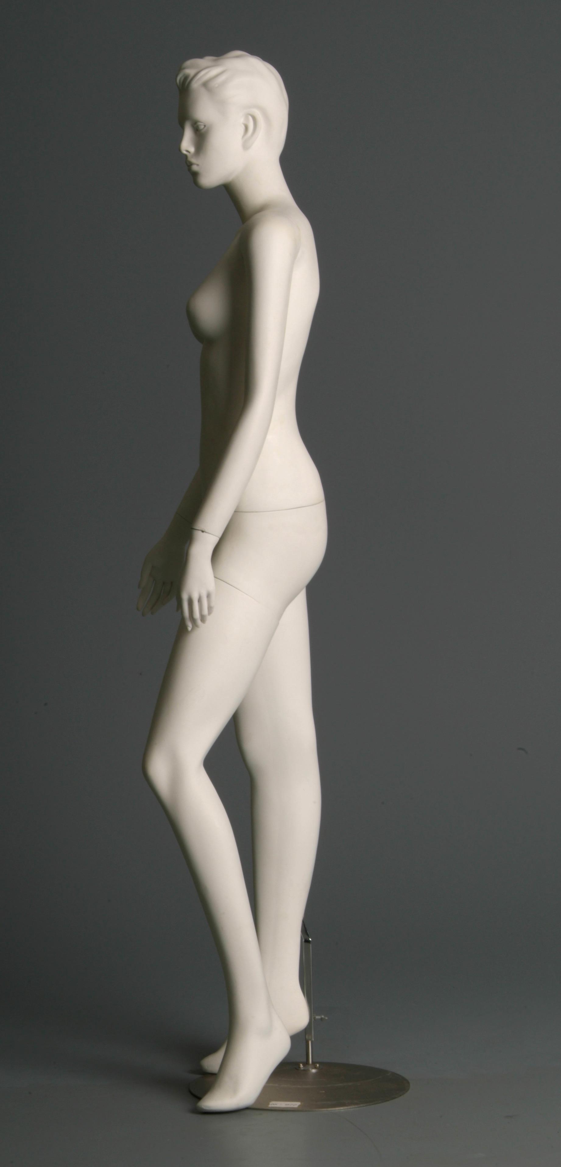 Mannequin - 4