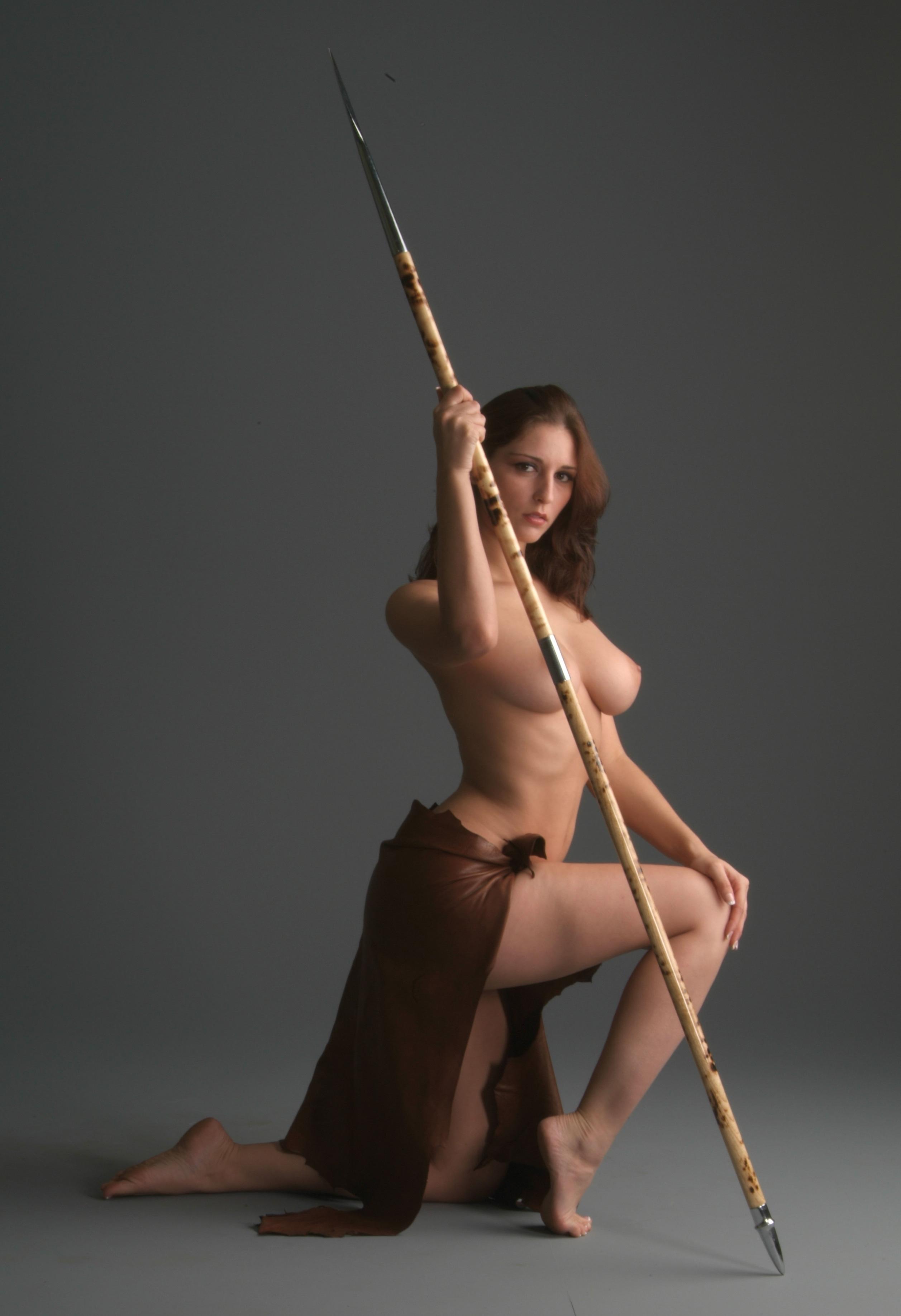Фотосессия голых моделей с мечом, частное порно фото анала