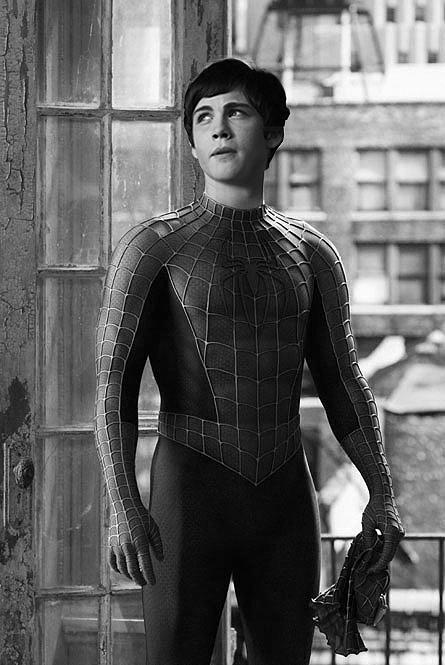 http://fc09.deviantart.net/fs70/f/2010/052/6/4/Logan_Lerman_as_SpiderMan_by_violentmonsters.png