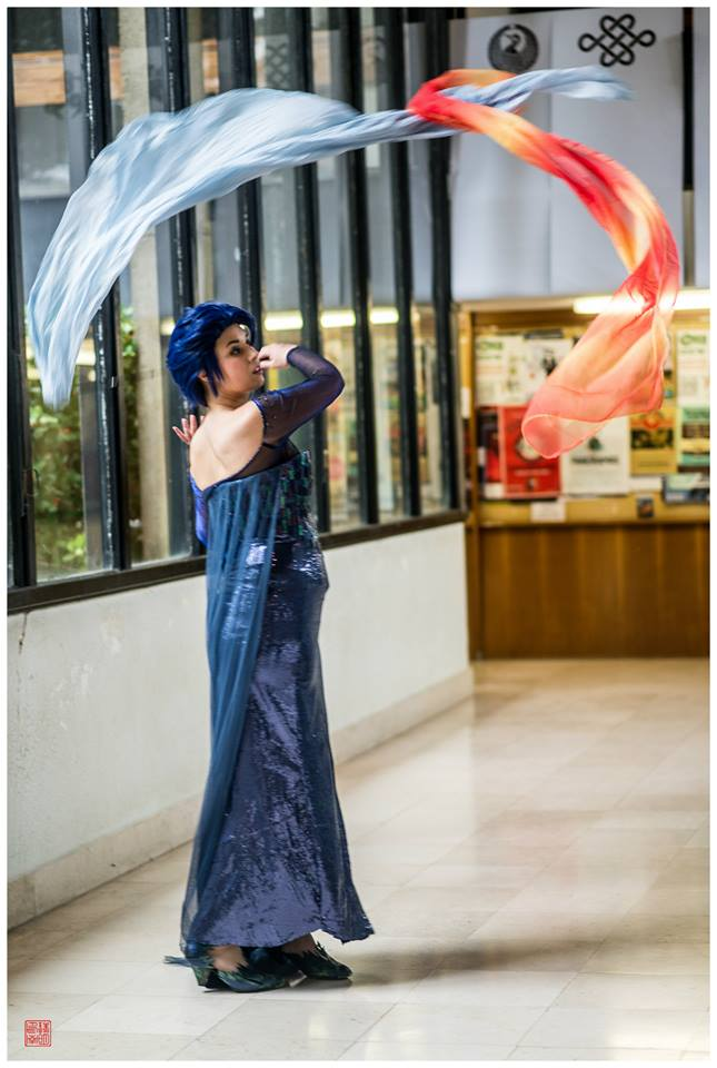 Dark Elsa icebending by Harker-Cosplay