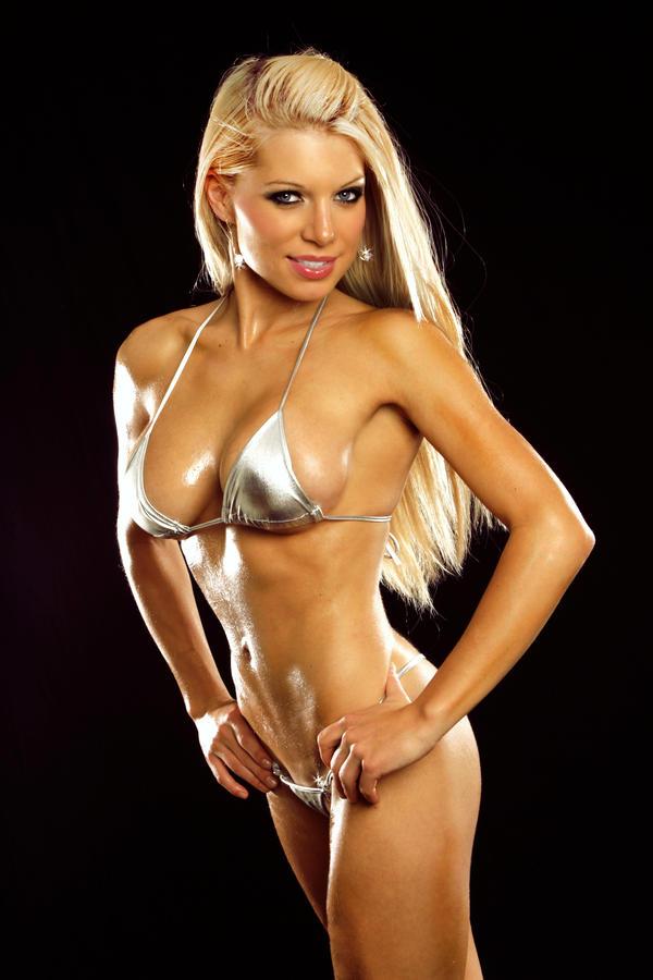 Lariyah: Fit Girl by tom2001