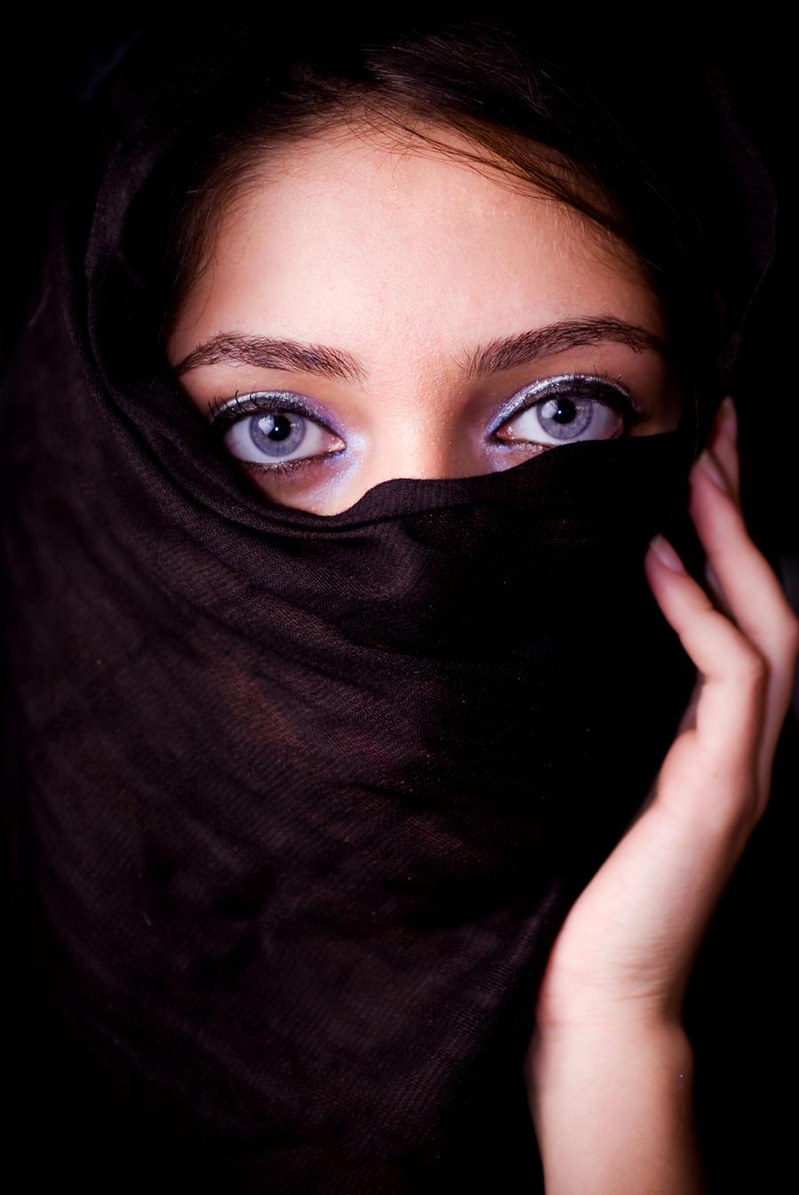 Arabian Beauty by photographersamer