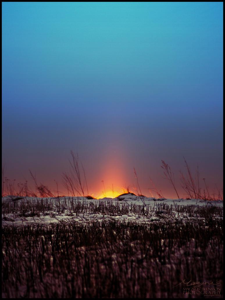 Winter Sun Rising by RokkeR