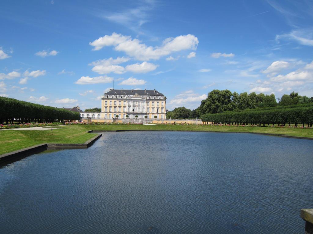 Schloss Augustusburg Bruehl by sturmsoldat1