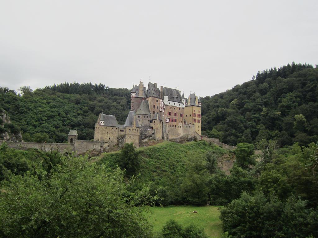 Burg Eltz, Wierschem by sturmsoldat1