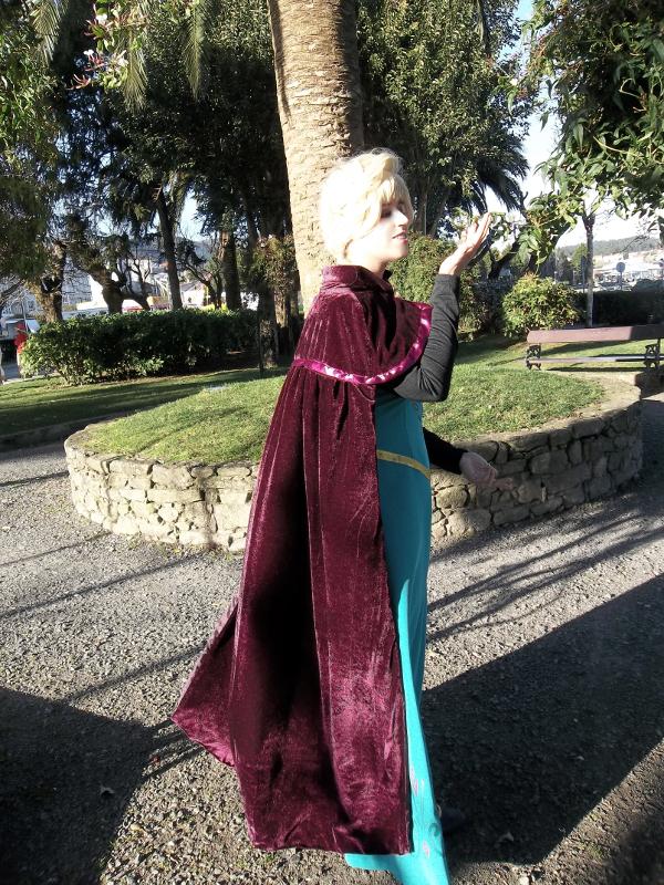 Elsa coronation by NevanRhaegar
