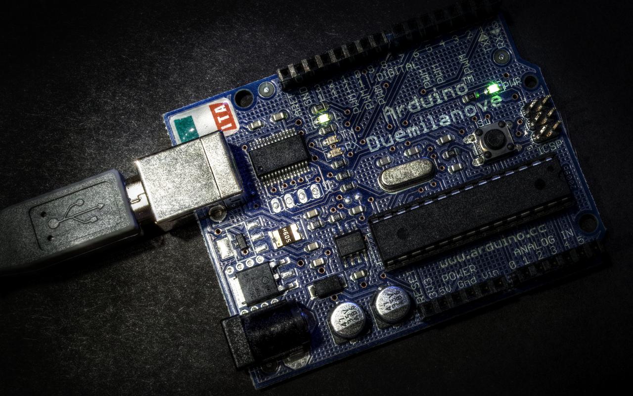 Arduino duemilanove closeup by schwarzeis on deviantart