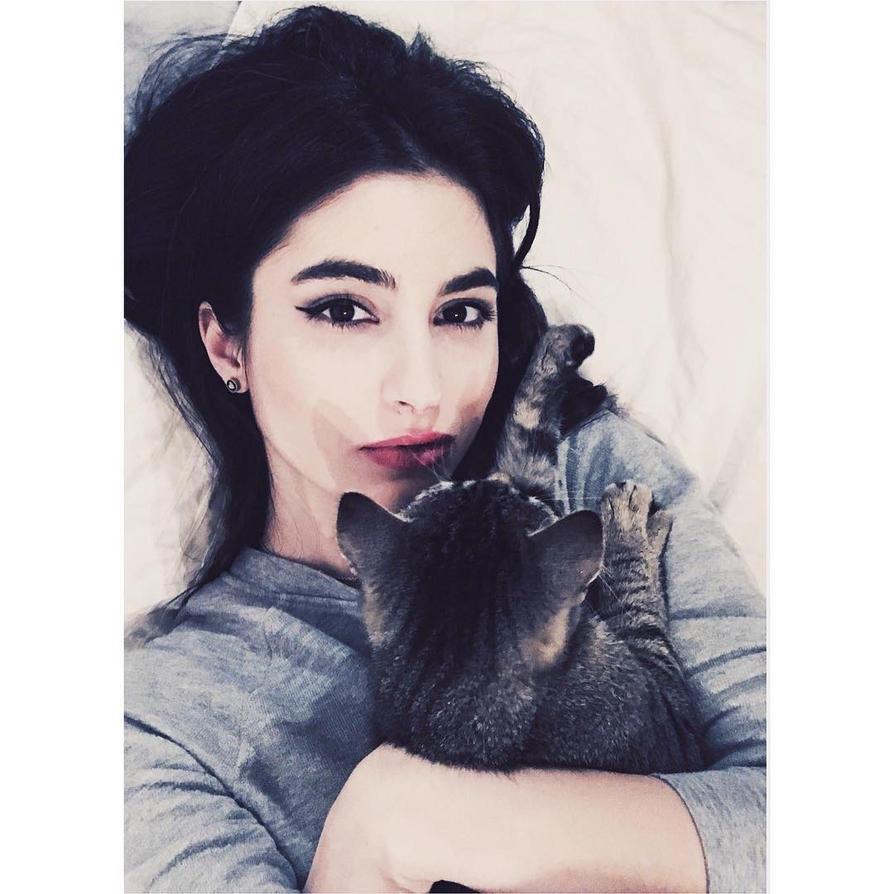 Meow by LadyRainbowz