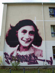 Anne Frank close by semiot