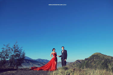 Prewedding at Bromo Mountain, Indonesia by antzcreator