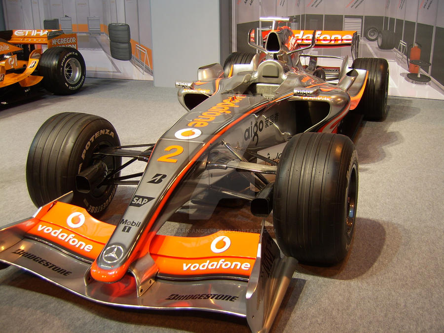 Lewis Hamilton's 2007 F1 Car by dark-angel-666