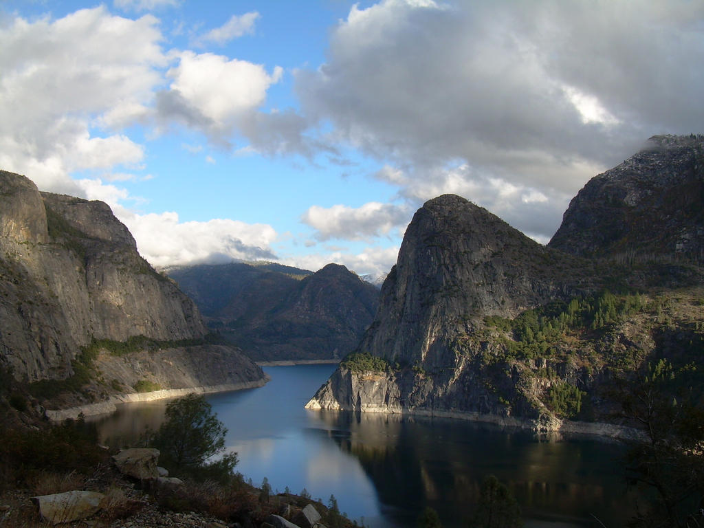 Hetch Hetchy Reservoir by Kitsune1987