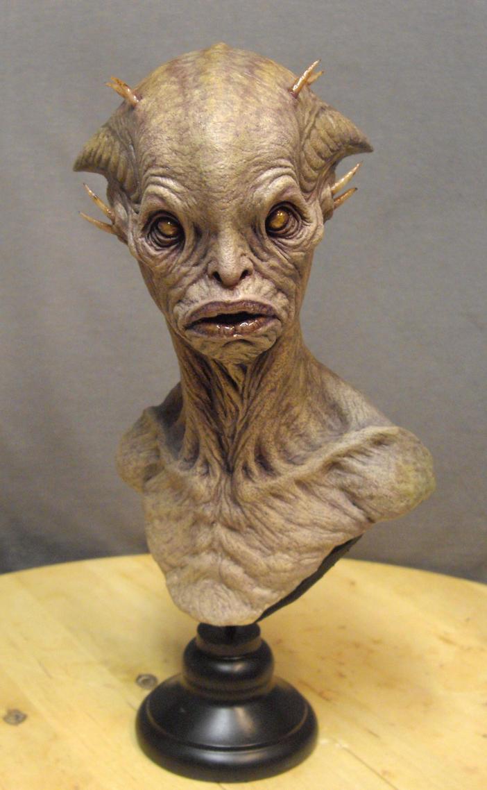 Alien bust. by BOULARIS