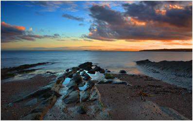 Heaven On The Horizon by Naifud