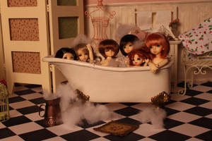 bath full of tinies by indispoptart
