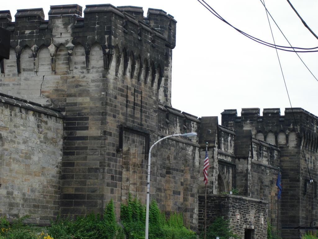 Prison In Philadelphia Tour