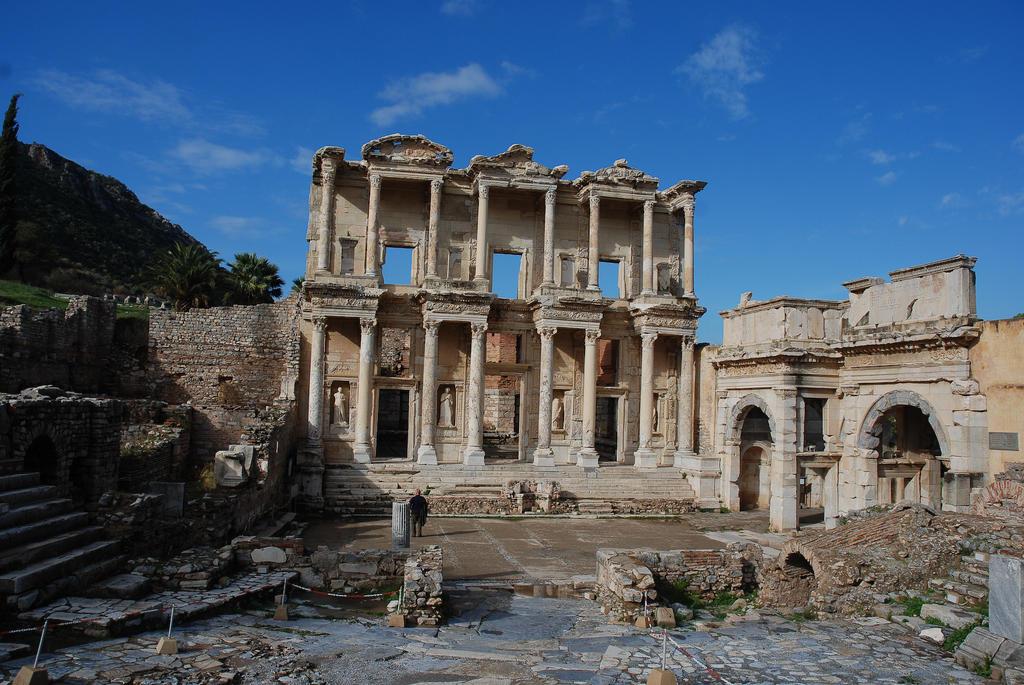 Ephesus Library 1 by LLukeBE