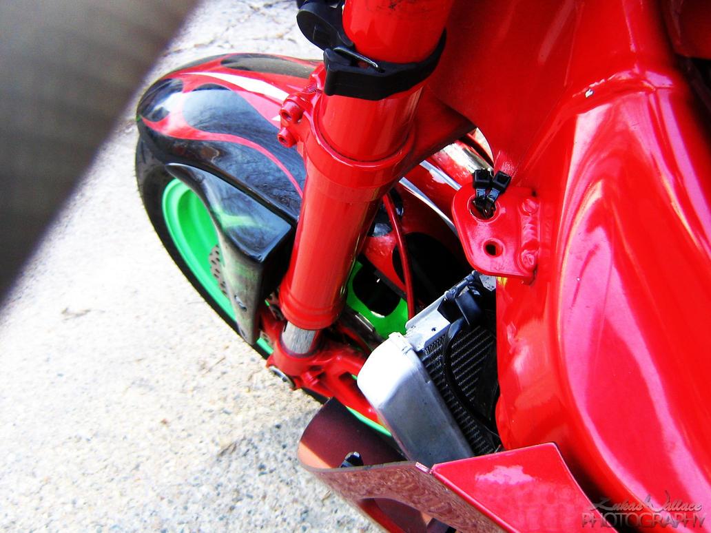 Kawasaki ZX6R - 05 by PxRxSxRx