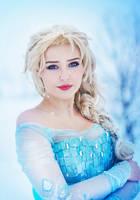 Queen Elsa of Arendelle by StarbitCosplay